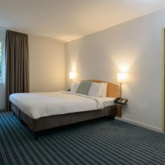 Apart-Hotel Zurich Airport сейф в номере