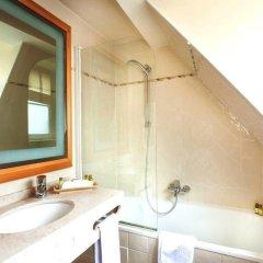 Отель Le Relais Saint Honoré Франция, Париж - отзывы, цены и фото номеров - забронировать отель Le Relais Saint Honoré онлайн ванная фото 2