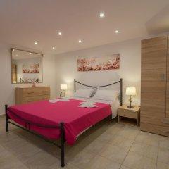 Отель Valentinas Amazing House комната для гостей фото 5