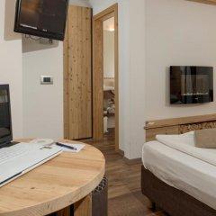 Hotel Garni Lastei Долина Валь-ди-Фасса удобства в номере