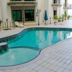 Al Waleed Palace Hotel Apartments Oud Metha бассейн фото 2