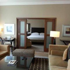 Sheraton Khalidiya Hotel комната для гостей