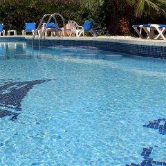 Отель Rocatel Испания, Канет-де-Мар - отзывы, цены и фото номеров - забронировать отель Rocatel онлайн бассейн фото 2