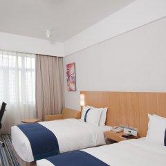 Отель Holiday Inn Express Shenzhen Luohu Китай, Шэньчжэнь - отзывы, цены и фото номеров - забронировать отель Holiday Inn Express Shenzhen Luohu онлайн комната для гостей фото 5