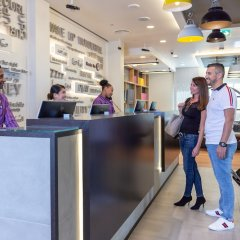 Отель Premier Inn Dubai Al Jaddaf интерьер отеля