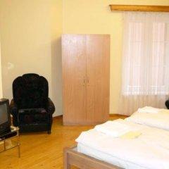 Отель Simon-Dach-Haus Литва, Клайпеда - отзывы, цены и фото номеров - забронировать отель Simon-Dach-Haus онлайн комната для гостей фото 4