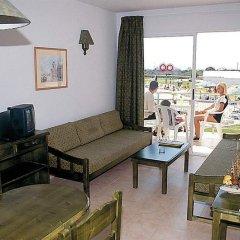 Отель Roc Cala d'en Blanes Beach Club Испания, Кала-эн-Бланес - отзывы, цены и фото номеров - забронировать отель Roc Cala d'en Blanes Beach Club онлайн комната для гостей фото 5
