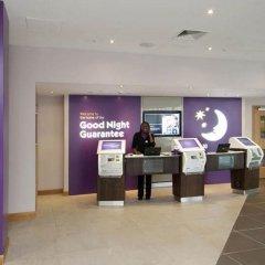 Отель Premier Inn London Waterloo банкомат
