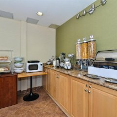Отель Canadas Best Value Inn Langley Лэнгли питание фото 3
