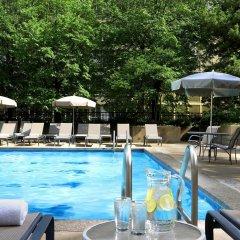 Отель Sheraton Centre Toronto Hotel Канада, Торонто - отзывы, цены и фото номеров - забронировать отель Sheraton Centre Toronto Hotel онлайн бассейн