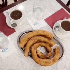 Отель Virgen de los Reyes Испания, Севилья - 2 отзыва об отеле, цены и фото номеров - забронировать отель Virgen de los Reyes онлайн питание