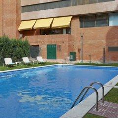 Отель Hesperia Sant Joan Suites бассейн