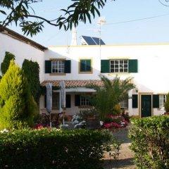 Отель Sobral De Baixo Кастру-Марин вид на фасад