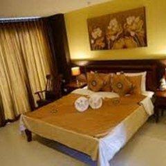 Отель The Retro Siam сейф в номере