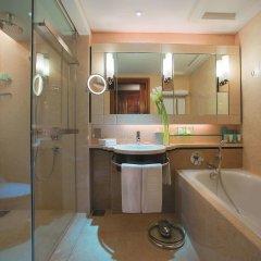 Отель Shangri-La Hotel Kuala Lumpur Малайзия, Куала-Лумпур - 1 отзыв об отеле, цены и фото номеров - забронировать отель Shangri-La Hotel Kuala Lumpur онлайн ванная