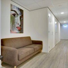 Отель Dutchies Hostel Нидерланды, Амстердам - отзывы, цены и фото номеров - забронировать отель Dutchies Hostel онлайн интерьер отеля фото 2