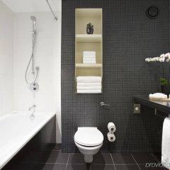 Отель Crowne Plaza London - Docklands Великобритания, Лондон - отзывы, цены и фото номеров - забронировать отель Crowne Plaza London - Docklands онлайн ванная