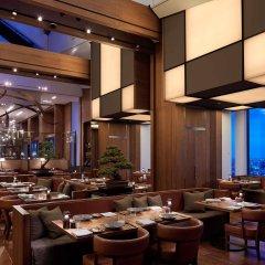 Отель Andaz Tokyo Toranomon Hills - a concept by Hyatt Япония, Токио - 1 отзыв об отеле, цены и фото номеров - забронировать отель Andaz Tokyo Toranomon Hills - a concept by Hyatt онлайн питание фото 2