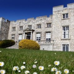 Отель Hazlewood Castle & Spa с домашними животными