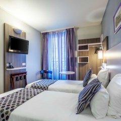 Comfort Hotel Nation Pere Lachaise Paris 11 сейф в номере