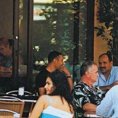Отель Embassy Suites Montréal by Hilton Канада, Монреаль - отзывы, цены и фото номеров - забронировать отель Embassy Suites Montréal by Hilton онлайн питание фото 3