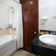 Отель Corvin Hotel Вьетнам, Вунгтау - отзывы, цены и фото номеров - забронировать отель Corvin Hotel онлайн ванная
