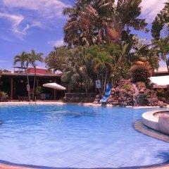 Отель The Ritz Hotel at Garden Oases Филиппины, Давао - отзывы, цены и фото номеров - забронировать отель The Ritz Hotel at Garden Oases онлайн бассейн