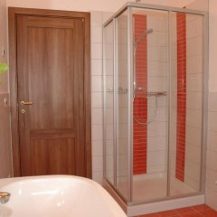 Отель Villa Pinella Прамаджоре ванная фото 2