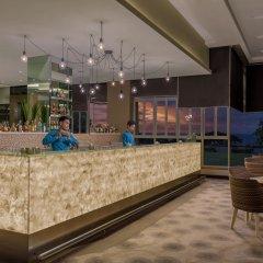 Отель Taal Vista Hotel Филиппины, Тагайтай - отзывы, цены и фото номеров - забронировать отель Taal Vista Hotel онлайн гостиничный бар