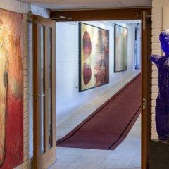 Отель Hotell Refsnes Gods интерьер отеля фото 3