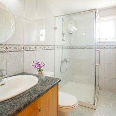 Отель Protaras Views Villa Кипр, Протарас - отзывы, цены и фото номеров - забронировать отель Protaras Views Villa онлайн ванная фото 2