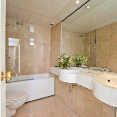 Отель Hôtel Henri 4 Франция, Париж - отзывы, цены и фото номеров - забронировать отель Hôtel Henri 4 онлайн ванная