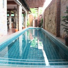 Отель Chang Charlie Inn Таиланд, Паттайя - отзывы, цены и фото номеров - забронировать отель Chang Charlie Inn онлайн бассейн