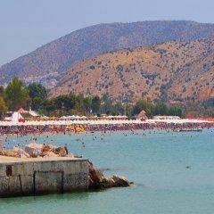 Отель Apollonia Hotel Apartments Греция, Вари-Вула-Вулиагмени - 1 отзыв об отеле, цены и фото номеров - забронировать отель Apollonia Hotel Apartments онлайн пляж