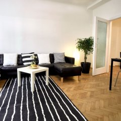 Апартаменты Operastreet.Com Apartments комната для гостей фото 3