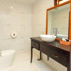 OYO 779 Aisha Hotel And Apartment Ханой ванная