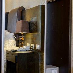 Отель Royalty Suites сейф в номере