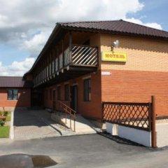 Гостиница Motel Voyazh в Печорах отзывы, цены и фото номеров - забронировать гостиницу Motel Voyazh онлайн Печоры парковка