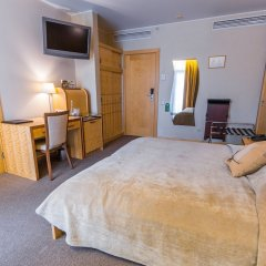 Отель Royal Square Hotel & Suites Латвия, Рига - 4 отзыва об отеле, цены и фото номеров - забронировать отель Royal Square Hotel & Suites онлайн комната для гостей фото 2