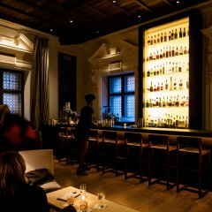Отель PUBLIC Chicago гостиничный бар