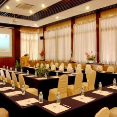 Отель Victorian Nha Trang Hotel Вьетнам, Нячанг - 5 отзывов об отеле, цены и фото номеров - забронировать отель Victorian Nha Trang Hotel онлайн помещение для мероприятий