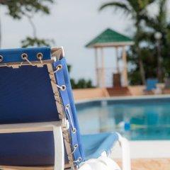 Отель The Cardiff Hotel & Spa Ямайка, Ранавей-Бей - отзывы, цены и фото номеров - забронировать отель The Cardiff Hotel & Spa онлайн спортивное сооружение