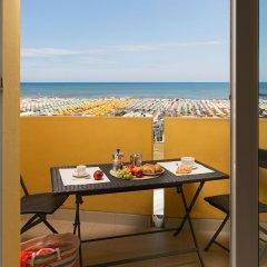 Отель Residence Hotel Piccadilly Италия, Римини - отзывы, цены и фото номеров - забронировать отель Residence Hotel Piccadilly онлайн балкон