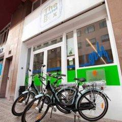 Hostel One Ramblas Барселона спортивное сооружение