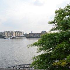 Отель 2 Bedroom Flat in Canary Wharf With Balcony Великобритания, Лондон - отзывы, цены и фото номеров - забронировать отель 2 Bedroom Flat in Canary Wharf With Balcony онлайн приотельная территория фото 2