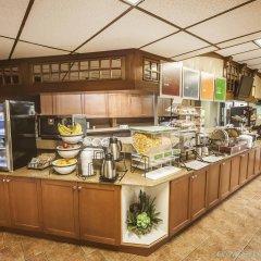 Отель Comfort Inn & Suites Downtown Edmonton питание фото 2