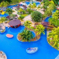 Отель Cinta Sayang Resort бассейн