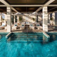 Отель Millennium Atria Business Bay ОАЭ, Дубай - отзывы, цены и фото номеров - забронировать отель Millennium Atria Business Bay онлайн бассейн фото 2
