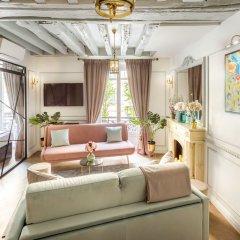 Отель Luxury 4 Bedroom 3 Bathroom Louvre - AC Париж комната для гостей фото 2