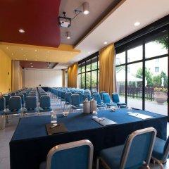 Отель CDH Hotel Parma & Congressi Италия, Парма - отзывы, цены и фото номеров - забронировать отель CDH Hotel Parma & Congressi онлайн помещение для мероприятий